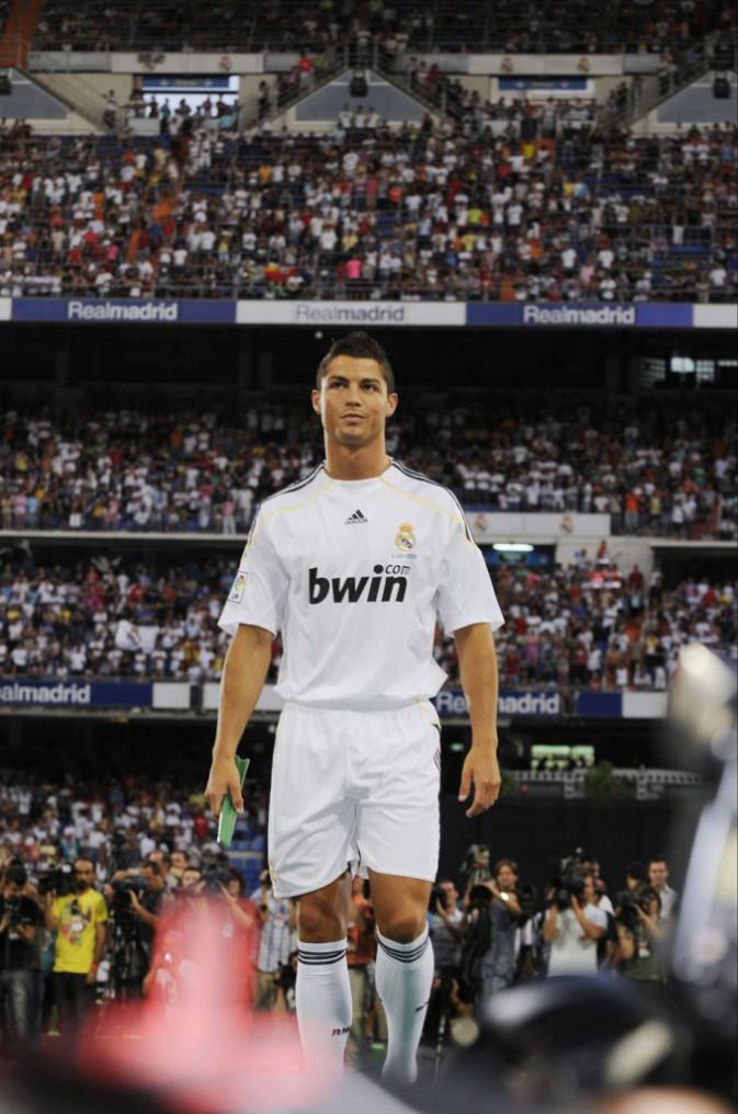 Cristiano Ronaldo lors de son arrivée au Real Madrid (2009)