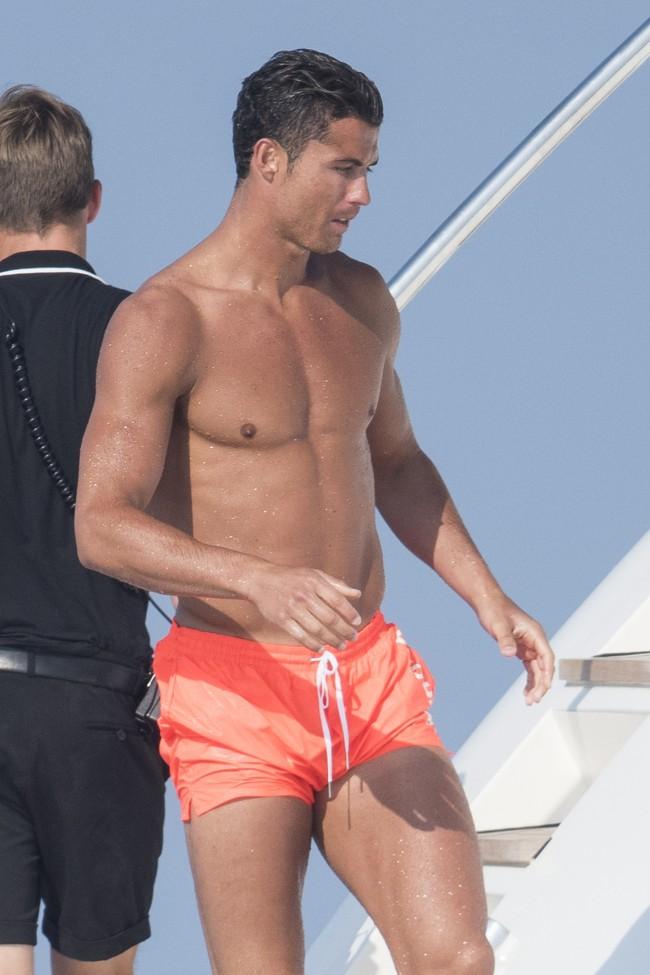Cristiano Ronaldo à Saint-Tropez le 31 mai 2015