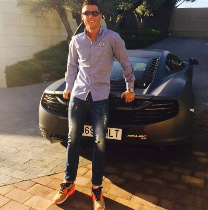 Cristiano et sa McLaren MP4-18C