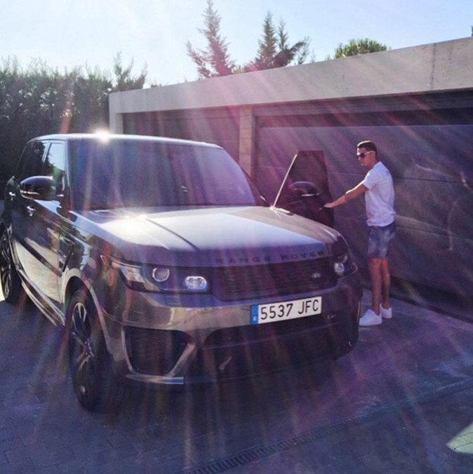Cristiano et son Range Rover