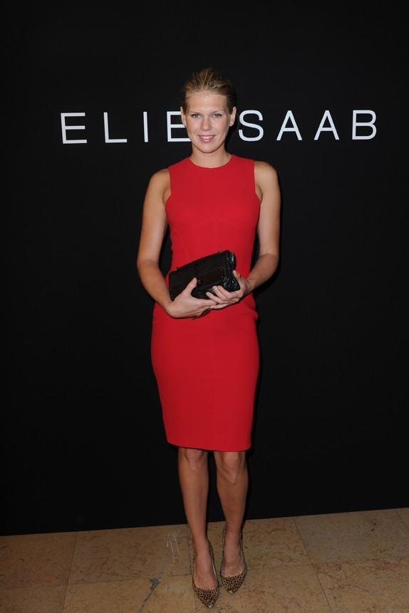 Alexandra Richards lors du défilé Elie Saab à Paris, le 6 juillet 2011.