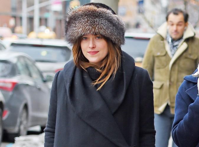 Dakota Johnson : elle préfère un café entre amis à l'effervescence de la Fashion Week !