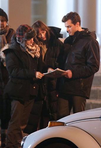 Jamie Dornan et Dakota Johnson à Vancouver le 9 décembre 2013