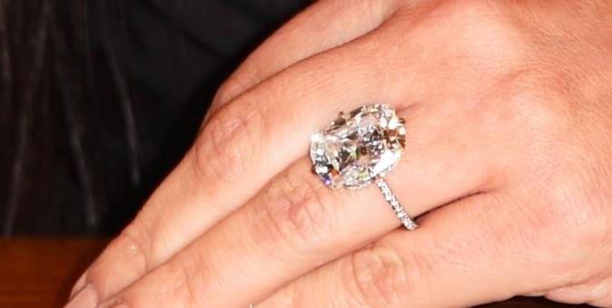 La première bague de fiançailles de Kim Kardashian (1,3 millions de dollars)