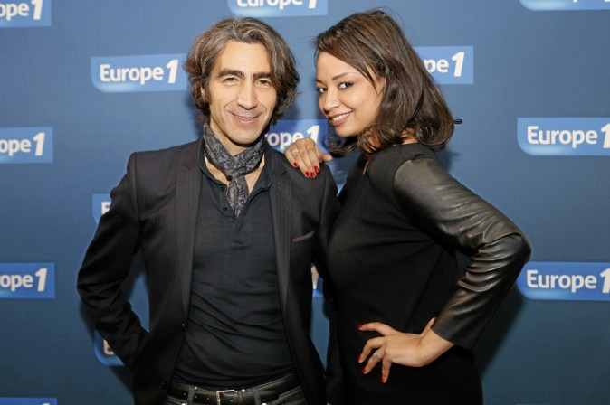 Nicolas Pigasse, directeur de la rédaction et Julia Martin : La présentatrice de l'émission et le directeur de la rédaction de Public sont pr