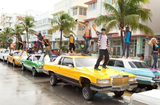 Dès les premières minutes du film, le flash mob sur Ocean's Drive !