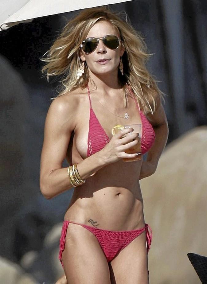 Leann Rimes : elle en a dans le bikini ! IN !