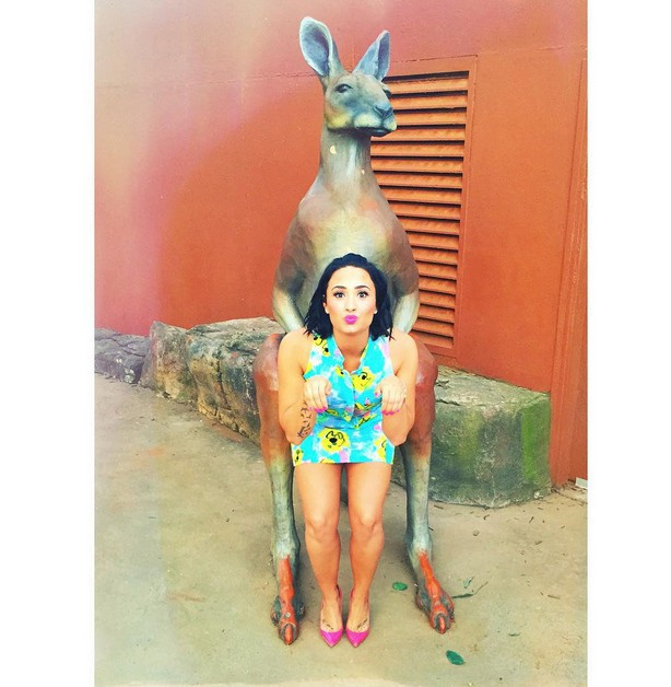 Demi Lovato au zoo en Australie le 11 août 2015