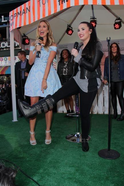 Demi Lovato le 14 février 2013 à Los Angeles