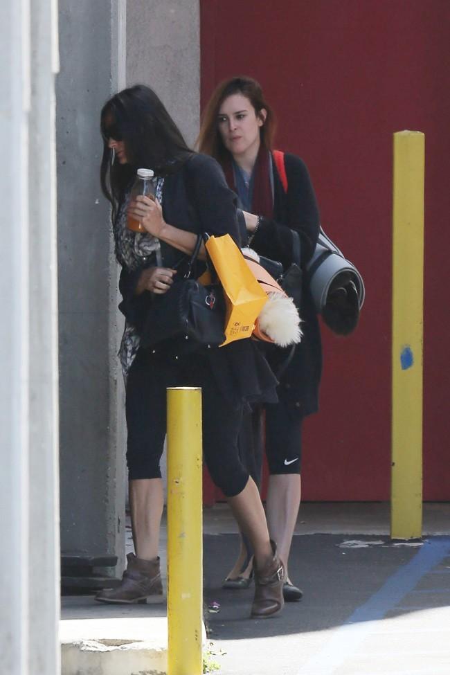 Demi Moore et Rumer Willis à la sortie de leur cours de yoga à West Hollywood le 22 juin 2013