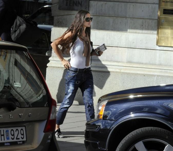 Demi Moore fait du shopping à Stockholm