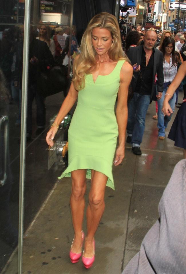 Denise Richards à son arrivée devant les studios de Good Morning America le 11 juin 2013 à New-York