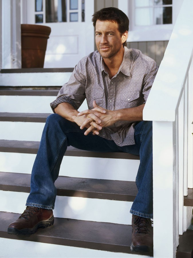 James Denton est Mike Delfino