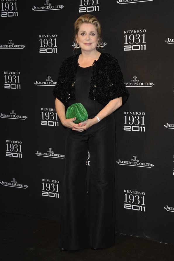 Catherine Deneuve lors des 80 ans de la montre Reverso de l'horloger Jaeger-Lecoultre à Paris, le 28 juin 2011.