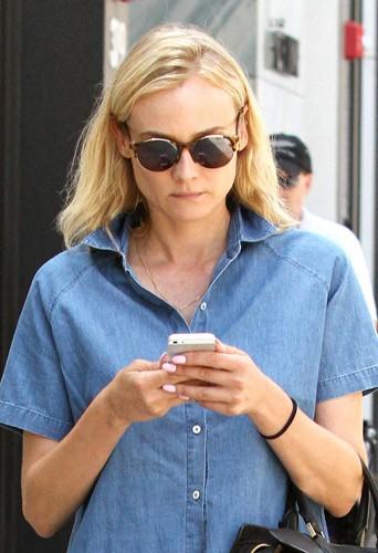Diane Kruger, casual dans les rues de Bervely Hills, le 11 août 2014