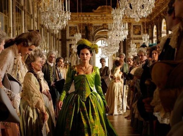 Virginie dans le rôle de Gabrielle de Polignac