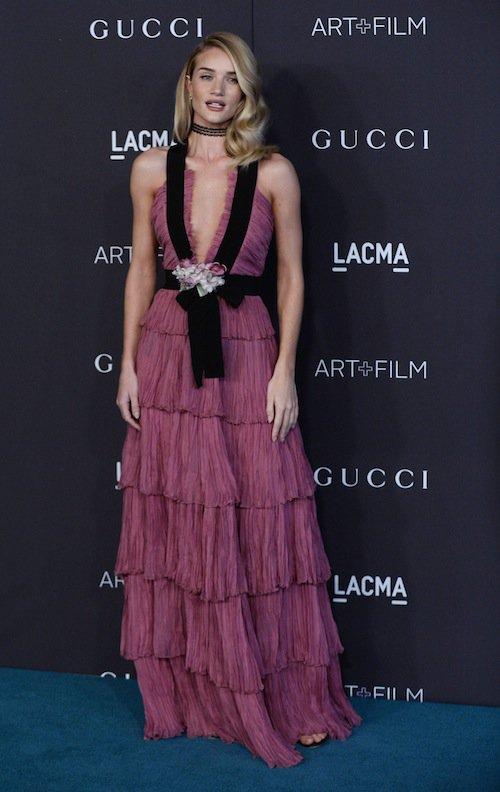 Rosie Huntington-Whiteley au gala LACMA, à Los Angeles, le 7 novembre 2015 !