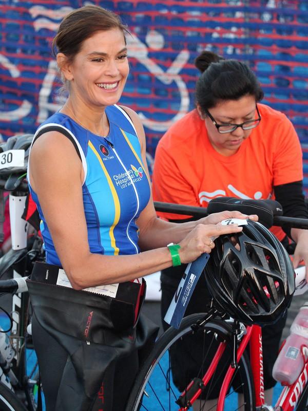 Teri Hatcher fait du vélo