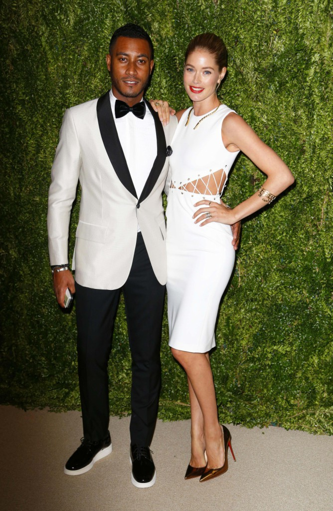 """Doutzen Kroes et son mari Sunnery James lors de la soirée """"CFDA/Vogue Fashion Fund Awards"""" à New York, le 11 novembre 2013."""