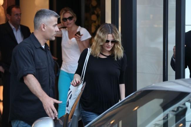 Drew Barrymore et Cameron Diaz sortant de la boutique Chanel à Beverly Hills, le 30 mai 2012.