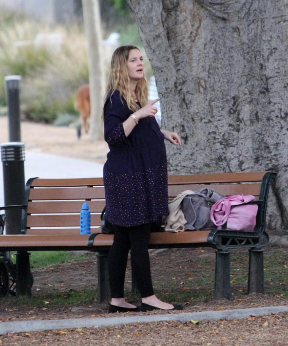 Drew Barrymore en famille à Beverly Hills le 9 mars 2014