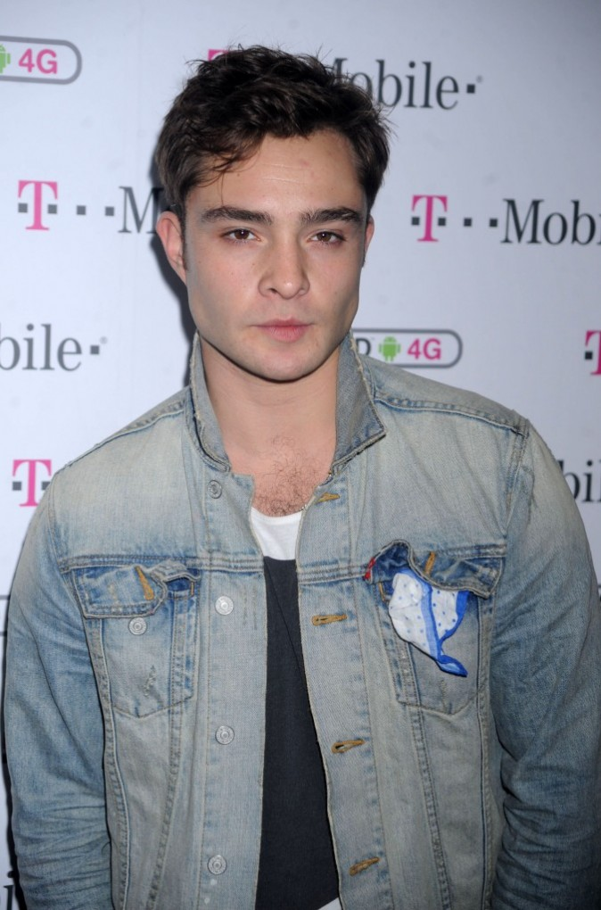 Ed Westwick lors de la soirée T-Mobile Samsung Galaxy S II and HTC Amaze 4G launch à New York, le 12 octobre 2011.
