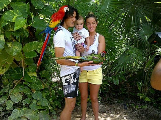 Edinson Cavani, sa femme Maria Soledad Cabris et leur fils aîné Bautista, au temps du bonheur !