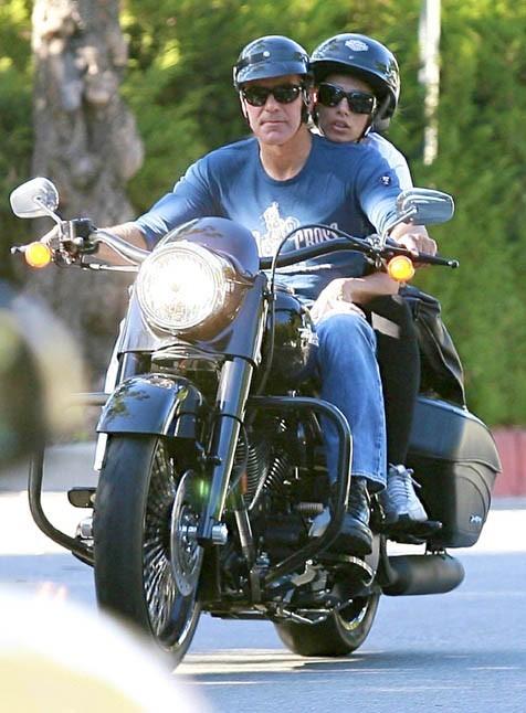 A Los Angeles, George lui avait fait découvrir son monde...