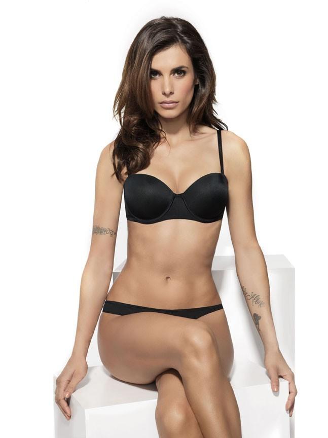Elisabetta Canalis dans sa première ligne de lingerie pour Lomar