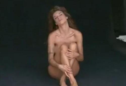 Elisabetta Canalis complètement nue !