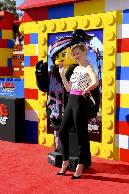 """Elizabeth Banks lors de la première du film d'animation """"La Grande Aventure Lego"""" à Westwood, le 2 février 2014."""