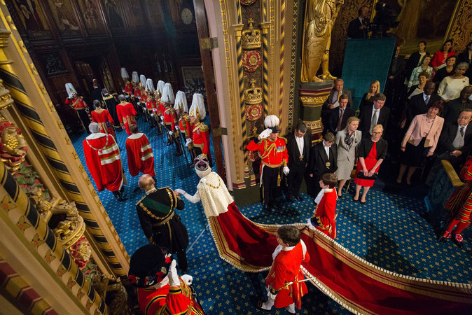 Photos : Elizabeth II : ses royales traditions ont la dent dure !