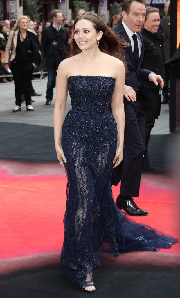 """Elizabeth Olsen lors de la première du film """"Godzilla"""" à Londres, le 11 mai 2014."""