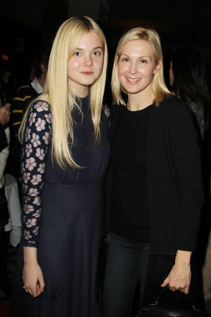 Elle Fanning et Kelly Rutherford le 11 novembre 2012 à New York