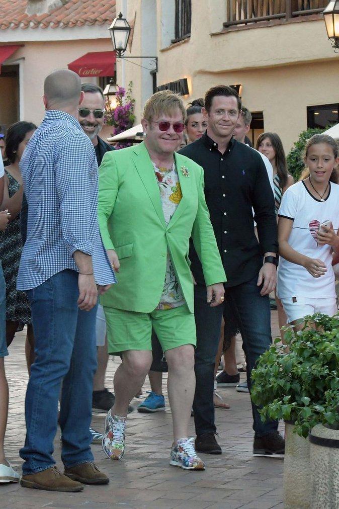 Photos : Elton John : c'est quoi ce look ?