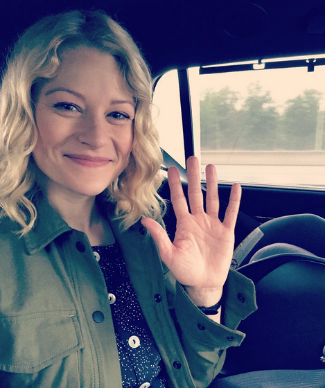 "Photos : Emilie de Ravin : la star de ""Once Upon a Time"" va se marier !"