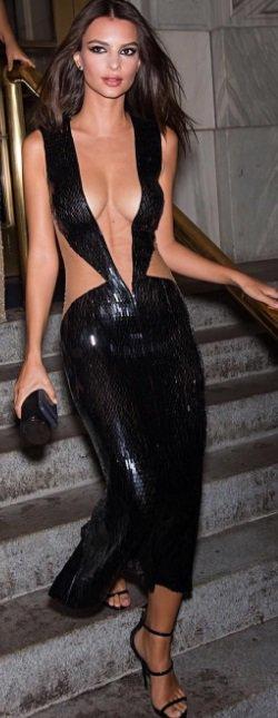 Emily Ratajkowski a fait sensation à la soirée Harper's Bazaar Icons