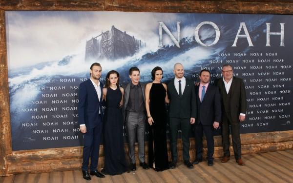 """L'équipe du film """"Noah"""" à Berlin, le 13 mars 2014."""