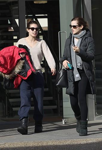 Emma Watson et une amie à Londres le 6 mars 2014