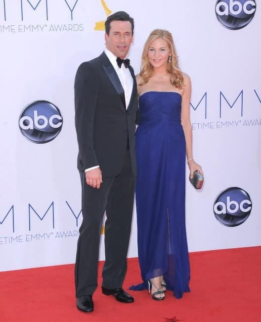 Jon Hamm et Jennifer Westfeldt lors des Emmy Awards à Los Angeles, le 23 septembre 2012.