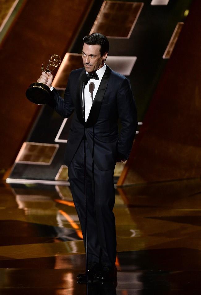 Jon Hamm à la cérémonie des Emmy Awards le 20 septembre 2015