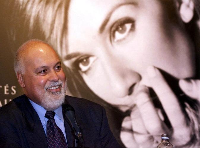 A partir de 1981, René s'occupe de faire de sa protégée une véritable star, au Québec, en France, puis dans le monde