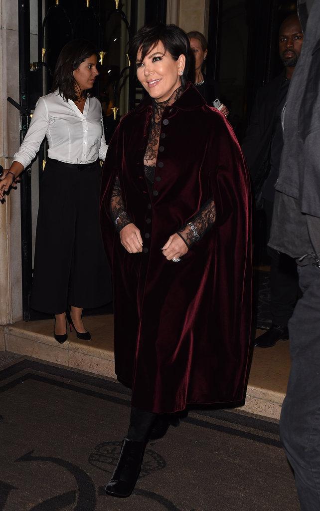 """Kris Jenner arrive au restaurant """"Kinu"""" à Paris le 1er octobre 2016"""