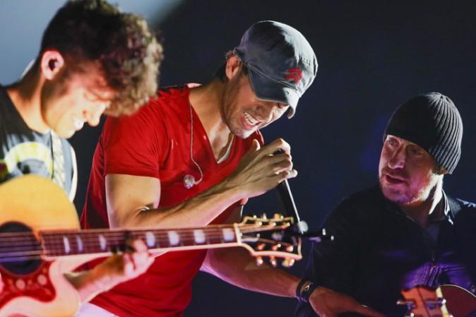 Enrique Iglesias en concert à Paris Bercy le 21 novembre 2014