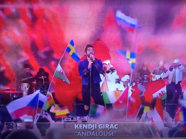 Photos : Euro 2016 : Kendji Girac fait le show d'ouverture à la Tour Eiffel !