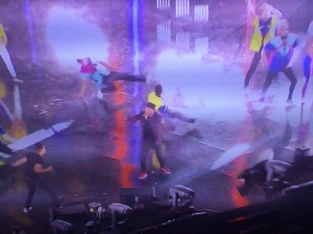 Photos : Euro 2016 : Soprano fait le show d'ouverture à la Tour Eiffel !