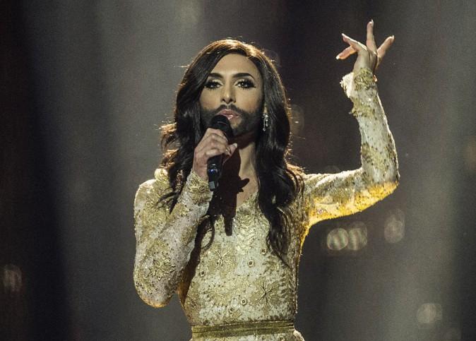 """Eurovision 2014 : Conchita Wurst : qui est cette """"queen"""" barbue qui n'a pas froid aux yeux ?"""