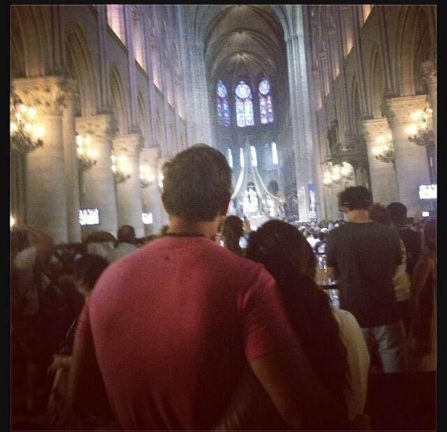 Eva Longoria et Ernesto à Notre Dame ...