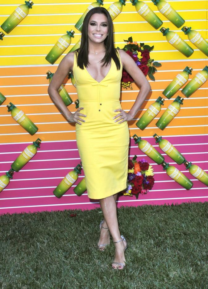 Photos : Eva Longoria : pétillante et colorée pour faire la fête !