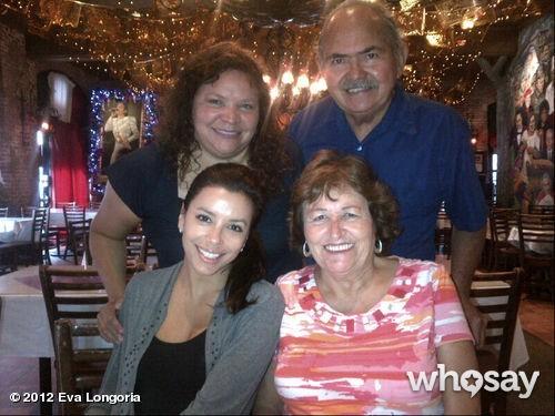 Avec sa mère, sa soeur et son père